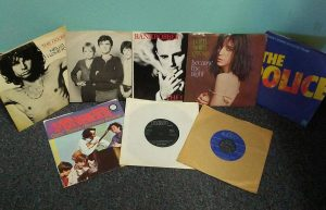 gerosa-records-vinyl-45rpm-talkingheads-clash-patti-smith-doors-police-monkees-james-brown-david-bowie