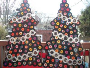 christmas-tree-record-vinyl-gerosa-records-holiday-holidays-hours