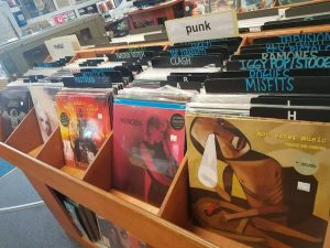 punk-rock-heavy-metal-section-vinyl-gerosa-records